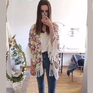 Zara Blogger Favorite Floral fringe kimono Sz m
